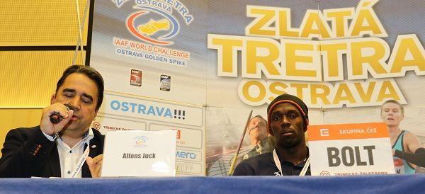 Športový komentátor a atletický manažér Alfonz Juck a šprintér Usain Bolt